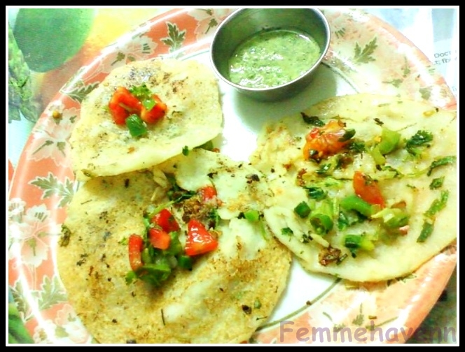 Uttapams with green coconut chutney[view from innerside(R) with toppings and outerside (L)garnished with chopped tomatoes)