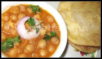 Masaledar Punjabi Chholey (Spicy Punjabi Chickpeas Curry) with Bhaturas(R)