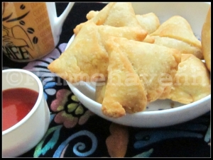 Dal ke Samose (lentils stuffed Triangular Snacks)