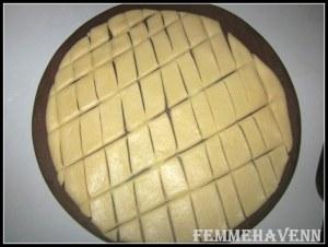 Khurma  or Shakkar-Para (Sugar Coated Diamond Cuts)