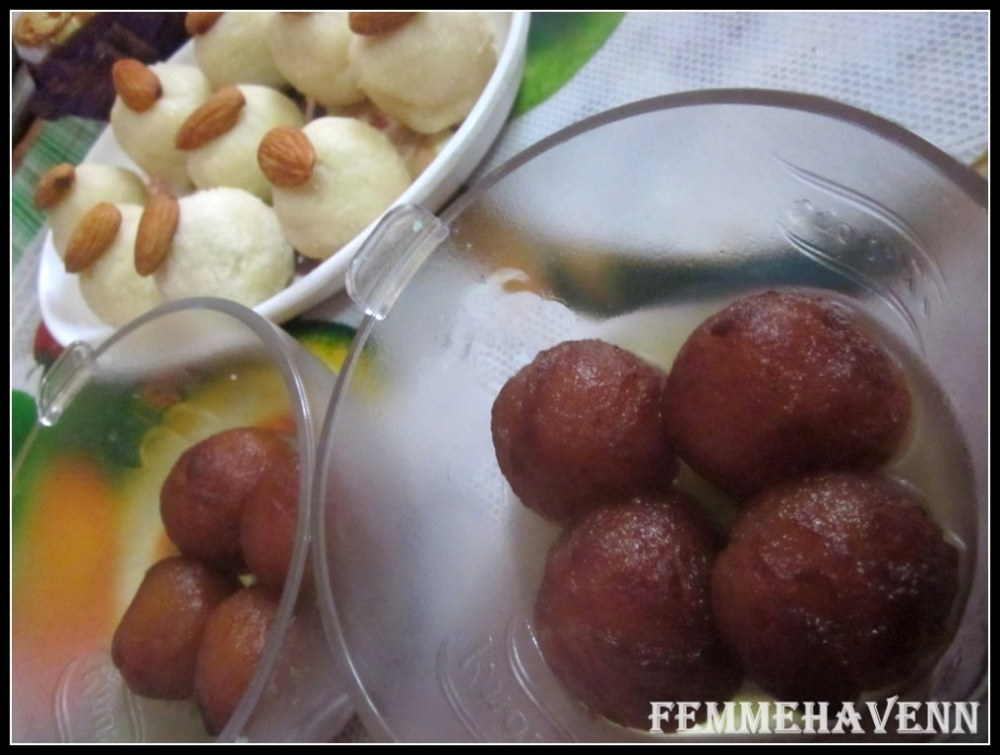 Chawal Ke Laddo or Rice flour Sweet Snow-Balls with gulabjamuns