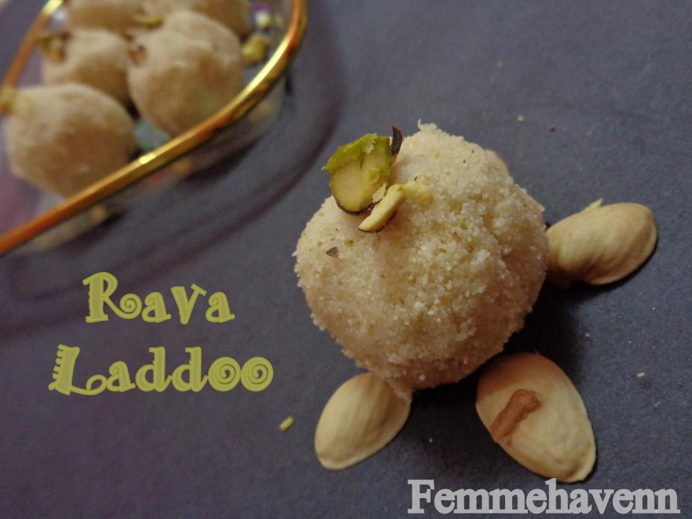 Rava Laddu/Sooji Laddoo (Sweet Semolina balls)